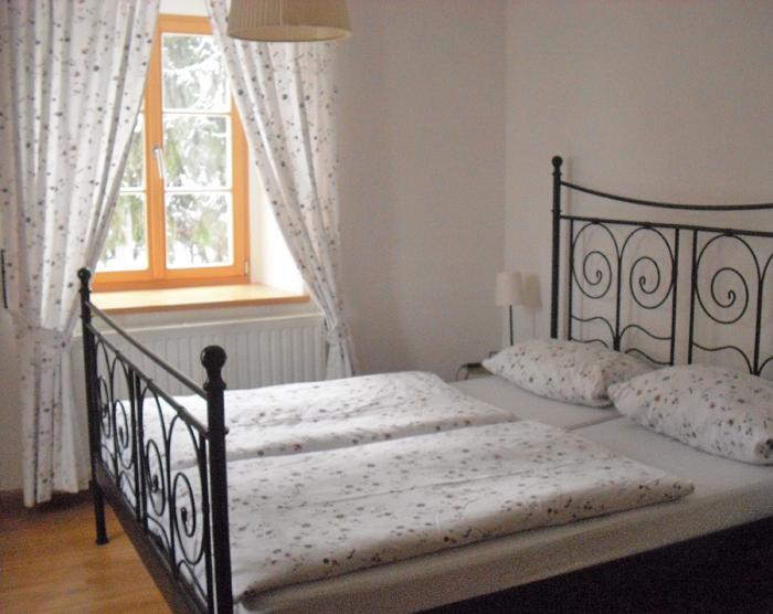 Schlafzimmer der kleinen Fewo bis 3 Pers. in Meißen